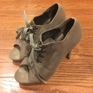Shoes - Canvas Military Laced Heels